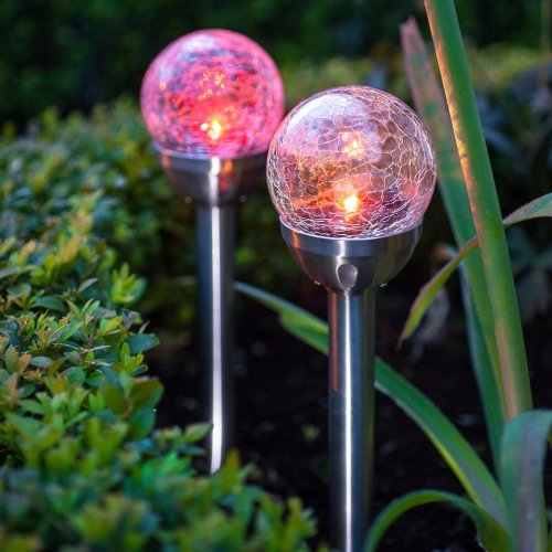 Lights4fun Set of 2 Colour Changing LED Crackle Glass Ball Solar Garden  Stake Lights