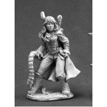 Reaper Dark Heaven Legends 03660 Amrielle, Female Ranger